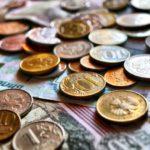 Объем наличных на руках у россиян снизился на 41,9 млрд рублей в ноябре