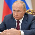 Путин поручил начать масштабную вакцинацию от COVID-19 на следующей неделе