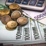 Евро может отобрать у доллара звание лучшей валюты для сбережений