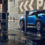 Peugeot показала обновленный хэтчбек 308 с гибридным мотором
