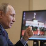 Путин пообещал привиться от коронавируса завтра